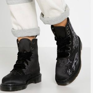 COPY - Dr. Martens Pascal Vena 6 Eye Black Satin …